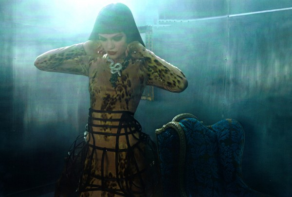 jessie j vogue italia 3 600x405 Jessie J za Vogue Italia jun 2011.