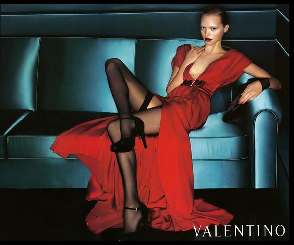 valentino italy ad Valentino crvena