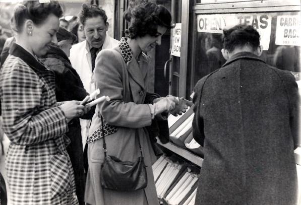 1940s style 5 Poslovna moda za žene kroz decenije