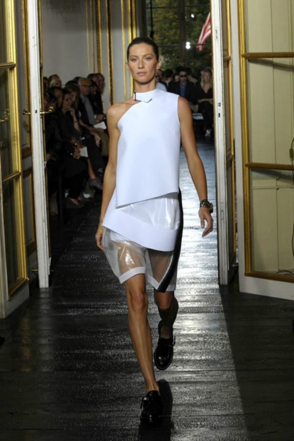 330 Balenciaga Ready to Wear – proleće/leto 2011.