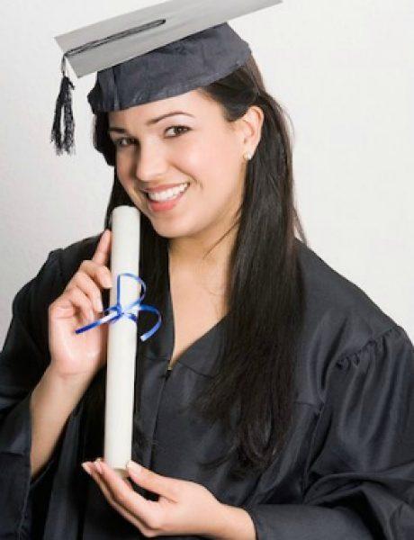 Diploma i master za počasno mesto na birou