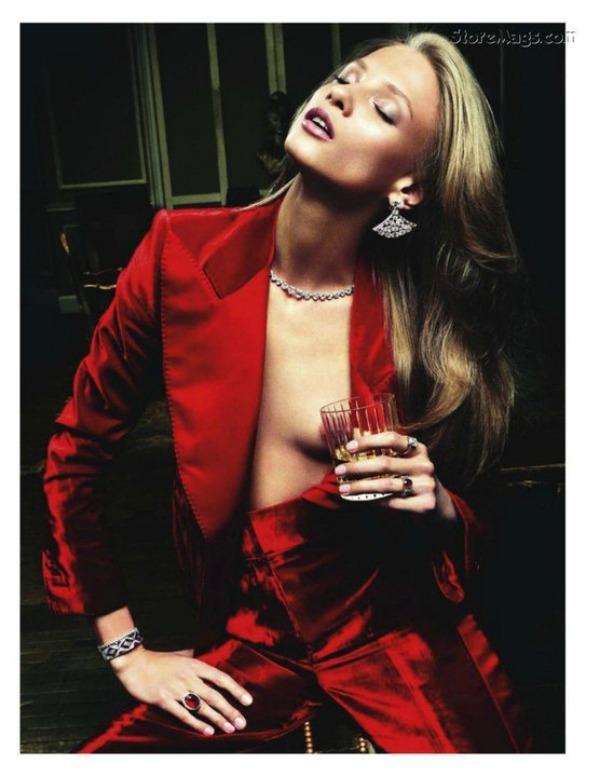 "65 ""Vogue Paris"" avgust 2011 – editorijal ""Rouge Aura"""