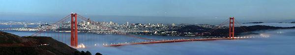 800px San Francisco with two bridges and the low fog  Najlepši mostovi sveta: The Golden Gate Bridge