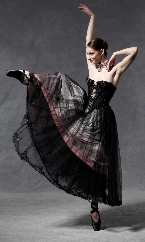 Agent Provocateur english ballet auction Štikla od 20cm nije previše ako postoji pravi razlog
