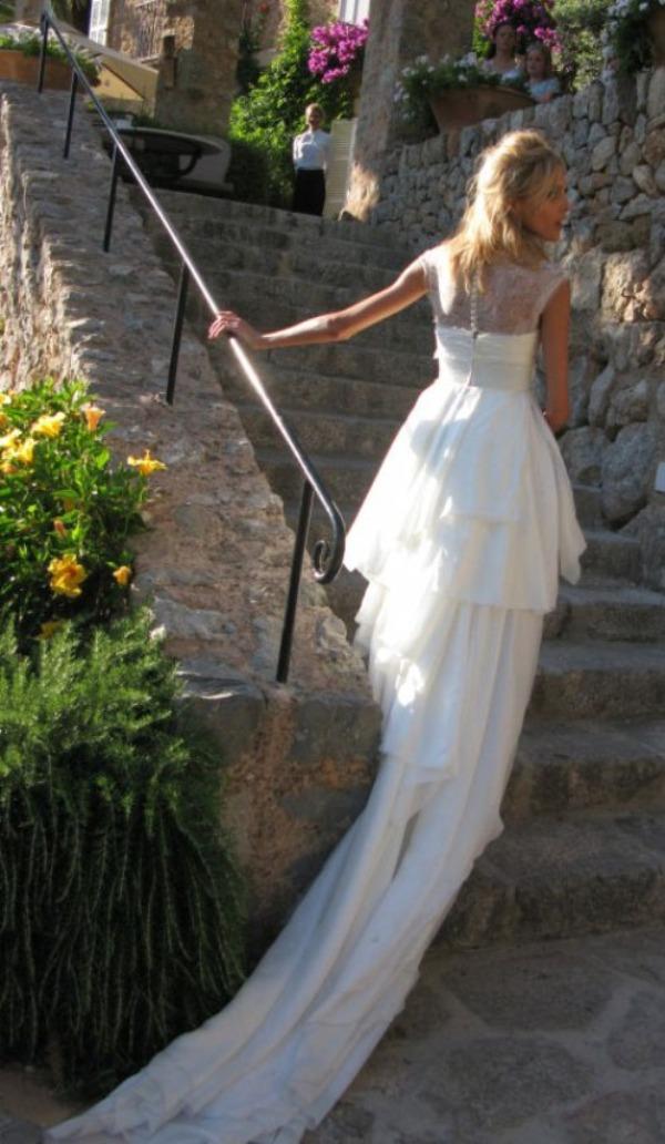 Anja Rubik back of wedding dress1 Celebrity Wedding: Anja Rubik & Saša Knežević