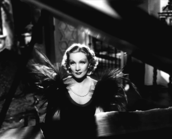 Annex Dietrich Marlene Desire 051 Dive XX veka: Poročni plavi anđeo