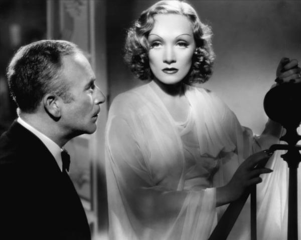 Annex Dietrich Marlene Desire 06 Dive XX veka: Poročni plavi anđeo