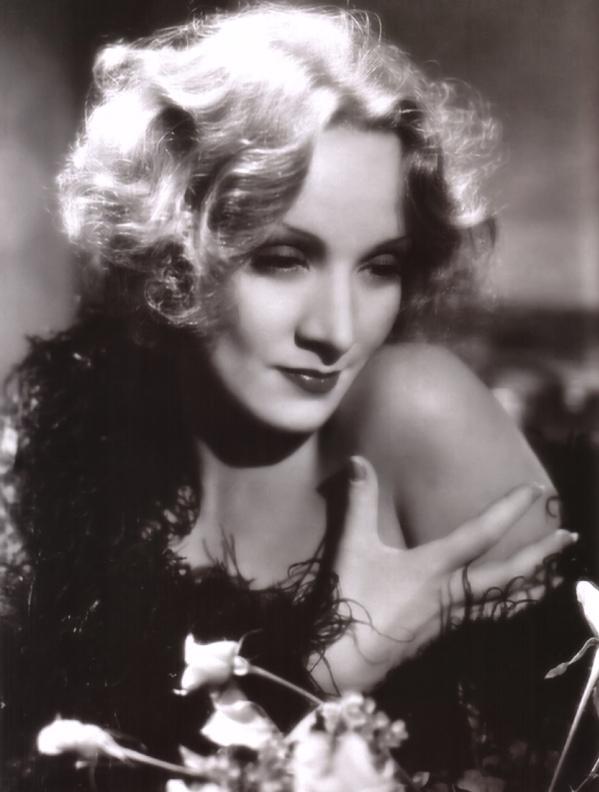 Annex Dietrich Marlene Shanghai Express 07 Dive XX veka: Poročni plavi anđeo