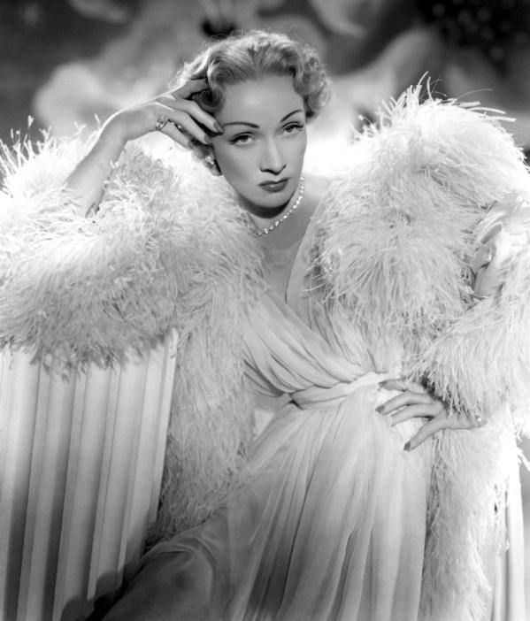Annex Dietrich Marlene Stage Fright 02 Dive XX veka: Poročni plavi anđeo