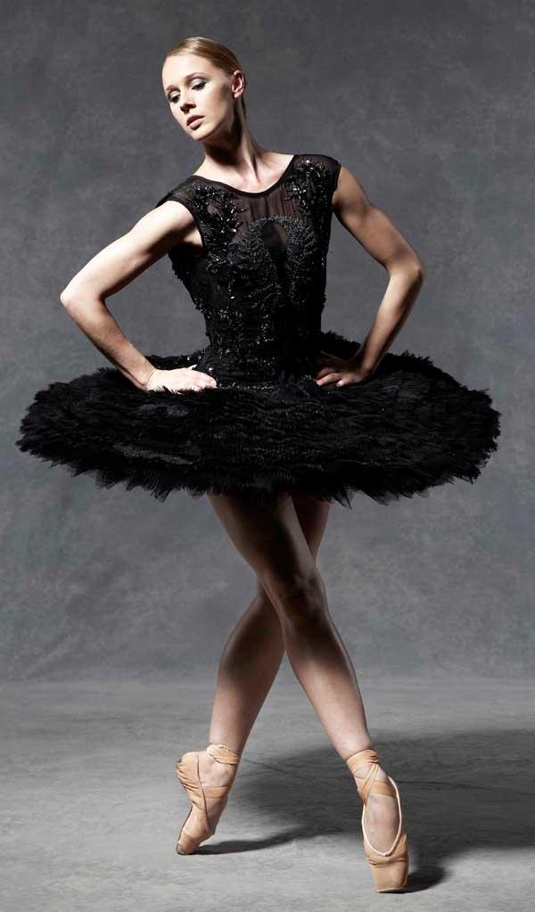 Julien Macdonald english ballet party Štikla od 20cm nije previše ako postoji pravi razlog