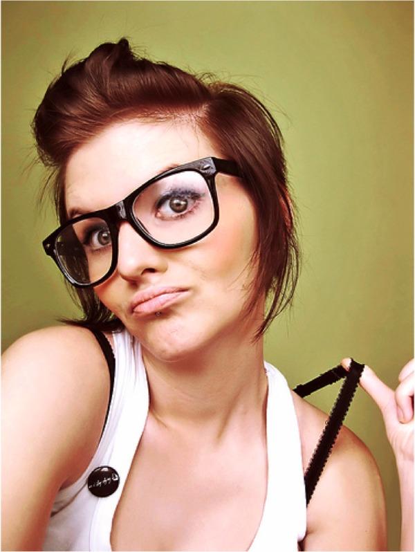 Nerdy Girl Šta više volite, prirodne lepotice ili sređene devojke?