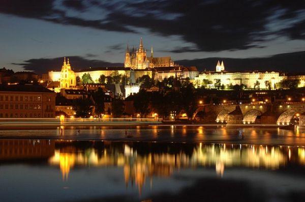 castellodipraga 01 Romantične destinacije za medeni mesec
