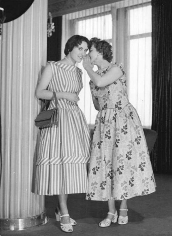 dresden Poslovna moda za žene kroz decenije