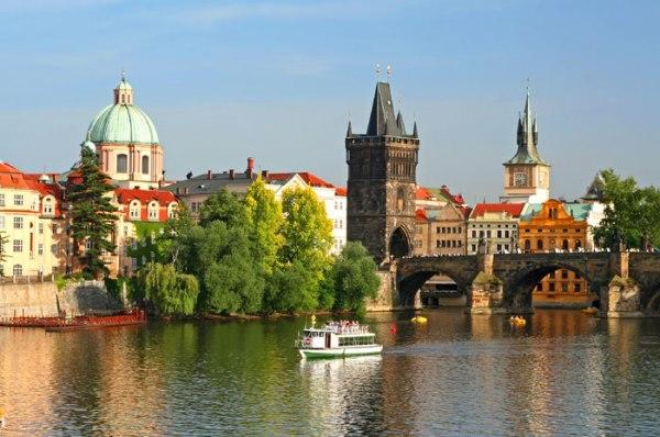 golden city of spires prague Romantične destinacije za medeni mesec