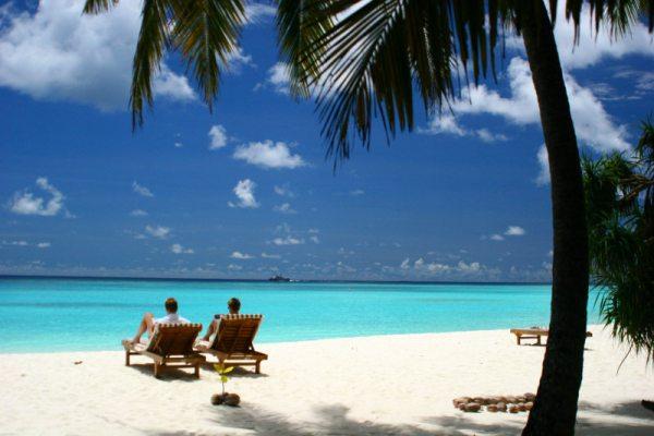 may 17 24 08 honeymoon maldives beach sand sun island 456 Maldivi   koralne oči okeana
