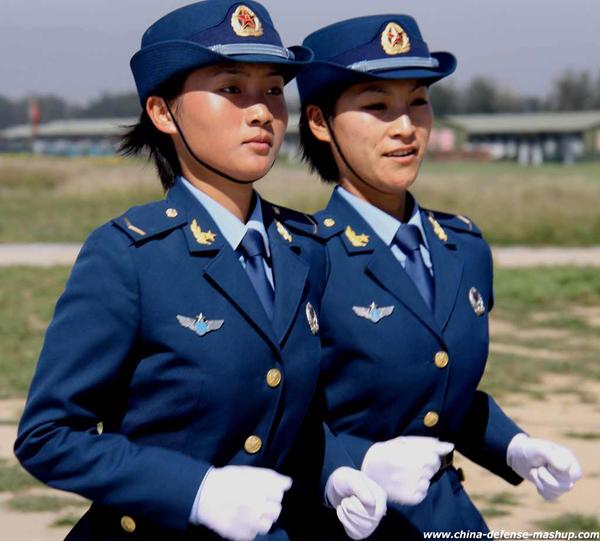 pla female soldier Kratka istorija vojne mode