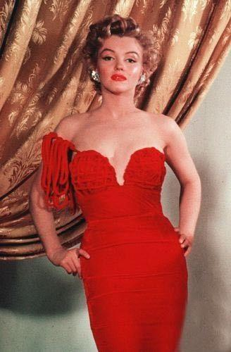 red dress Marilyn Monroe – seks simbol 20. veka