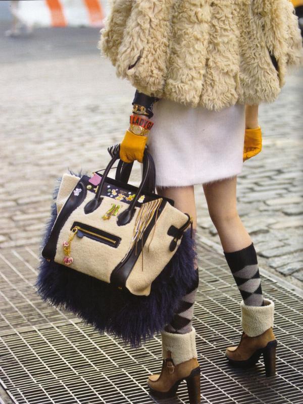 "47 Vogue UK avgust 2011. godine – editorijal ""Style Hunter"""
