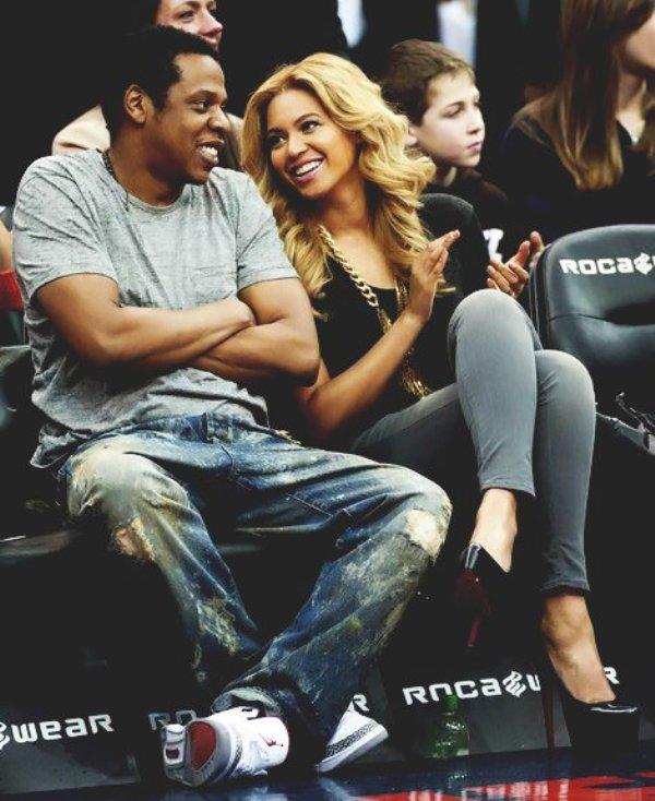 SLIKA7Bee Who Run the World: Beyoncé