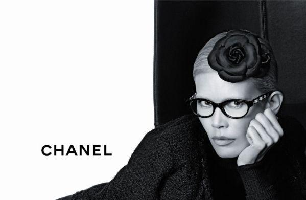 chanel2 Claudia Schiffer za Chanel   jesen 2011.