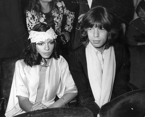 mick jagger bianca fashion style harry caresse 001 Rock & Roll Fashion   Bianca Jagger
