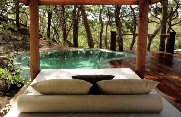 sydney beachhosue pool and lounge 665x431 Vikendica iz bajke