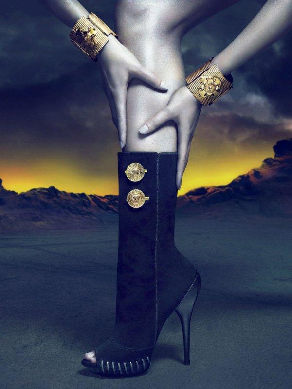versacecampaign11 Versace za jesen 2011.