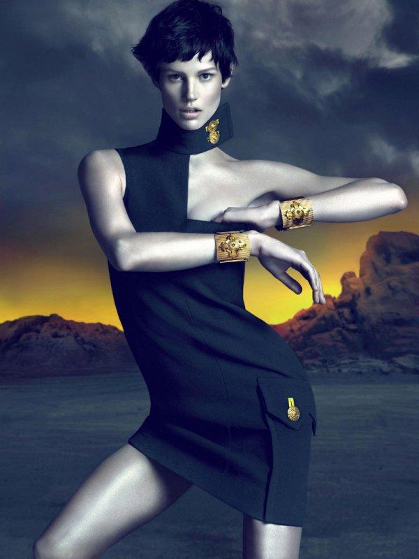 versacecampaign4 Versace za jesen 2011.