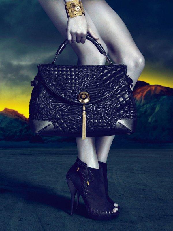 versacecampaign9 Versace za jesen 2011.