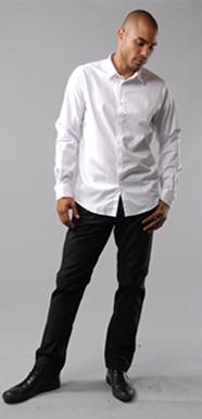 white shirts13 Savet za muškarce: Šta nositi na kraći poslovni put?