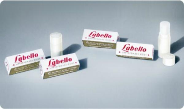 351 Labello – Nobody loves lips more