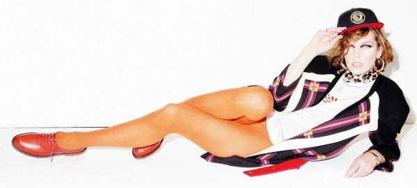 "93 Milla Jovovich za ""Jalouse"", septembar 2011."