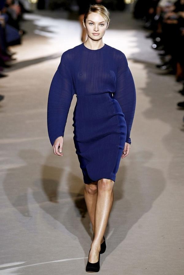 candice swanepoel stella mccartney fashion 2011 in paris 05 560x839 Back to Tiffanys