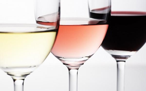 jw023 350a close up white wine rose wine red wine 422 69157 Vino   kap istorije