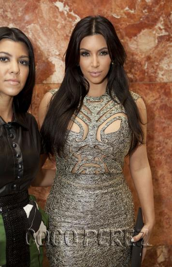 kim kardashian kourtney kardashian front row sherri hill nyfw 3.pbbig  Fashion police is back!