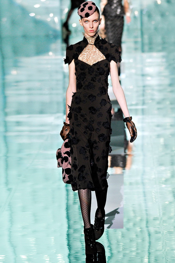 marc jacobs rtw fw2011 runway 011 23342360048 Back to Tiffanys