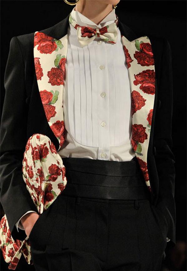 moschino bag trends fall winter 2011 2012 5 Moschino torbe za jesen: print, lanci i nude nijansa