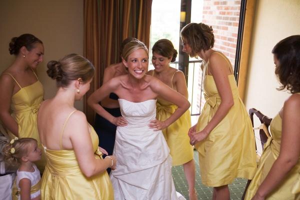 080830 bms  020 Našminkaj me, obuci me, danas se udajem!