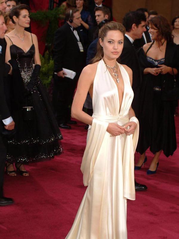 ANDJELINA DZOLI 10 najlepših haljina sa crvenog tepiha