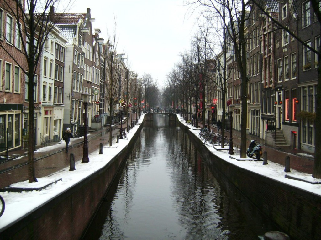 Red light District Amsterdam 1024x768 Srećan rođendan, Škorpije!