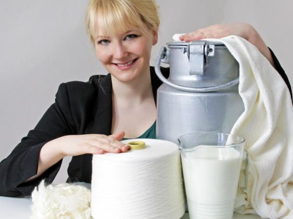 slika3 bolja Modni zalogaji: modni muzej i odeća od mleka