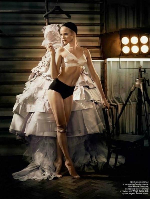 010 picnik1 Neodoljiva Ginta Lapiņa za Vogue Russia