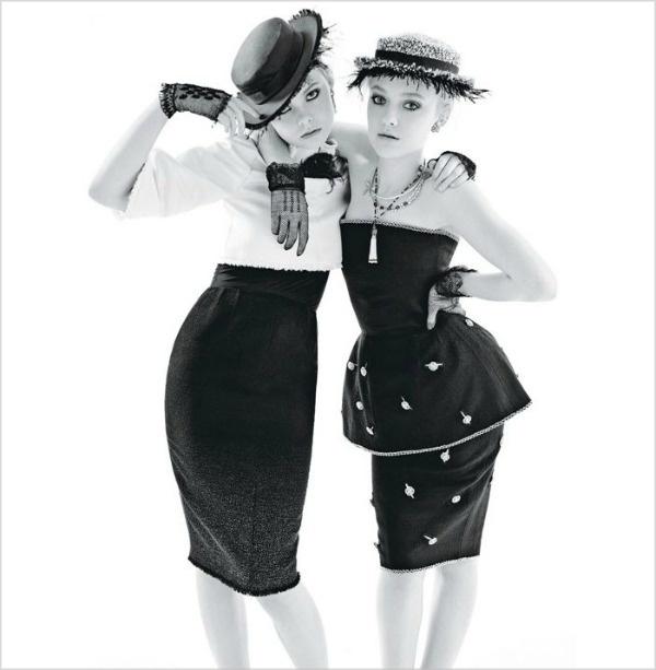 019 Dakota & Elle Fanning za W