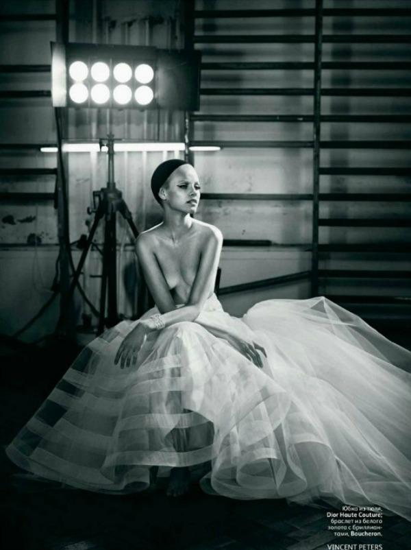 043 Neodoljiva Ginta Lapiņa za Vogue Russia