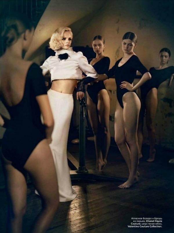 052 Neodoljiva Ginta Lapiņa za Vogue Russia