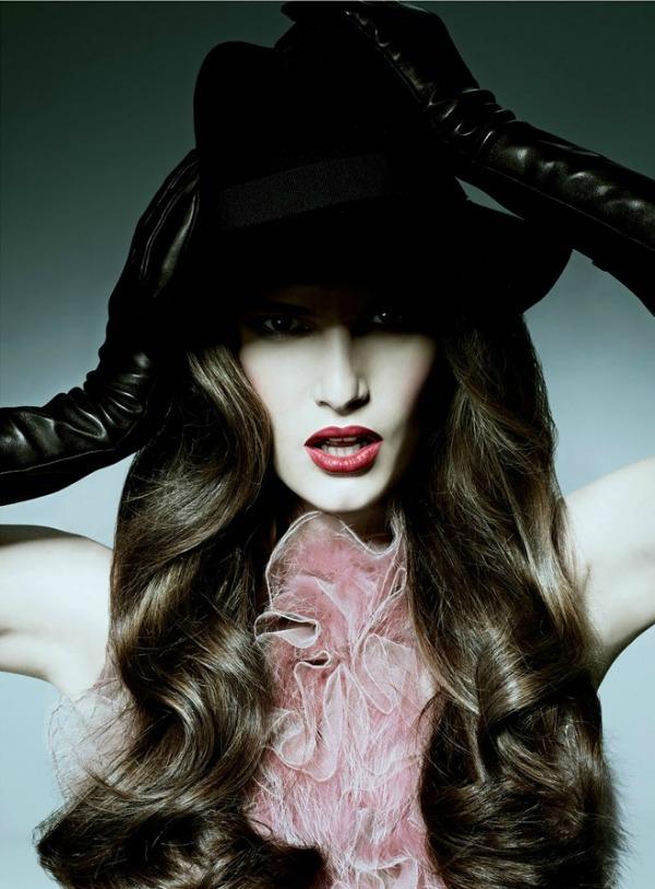 "084 Alla Kostromichova za ukrajinski ""Harper's Bazaar"""