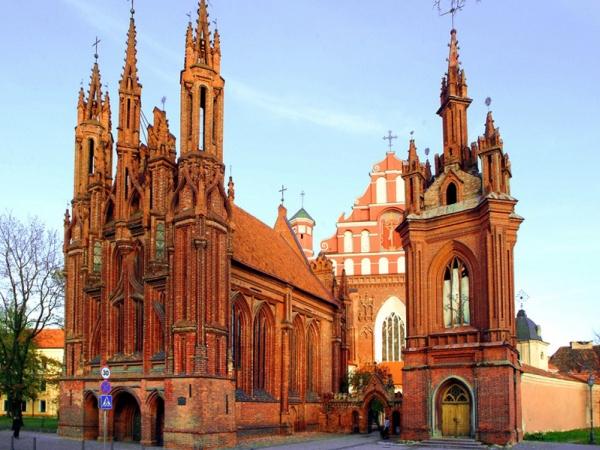 Crkva Svete Ane koju je poželeo čak i Napoleon Bonaparta Zelena prestonica u sred Evrope   Vilnjus, Litvanija