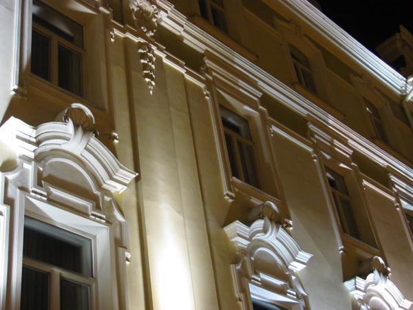 Detalj sa građevine u Starom gradu Zelena prestonica u sred Evrope   Vilnjus, Litvanija