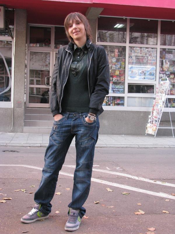 Dobre patike uvek mogu da naglase vaš outfit. Street Style: Moda i Niš