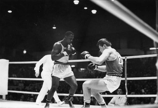 Finale Olimpijskih igara u Tokiju 1964 Frejžer Hubner. Joe Frazier: Čovek koji je znao da ućutka Alija